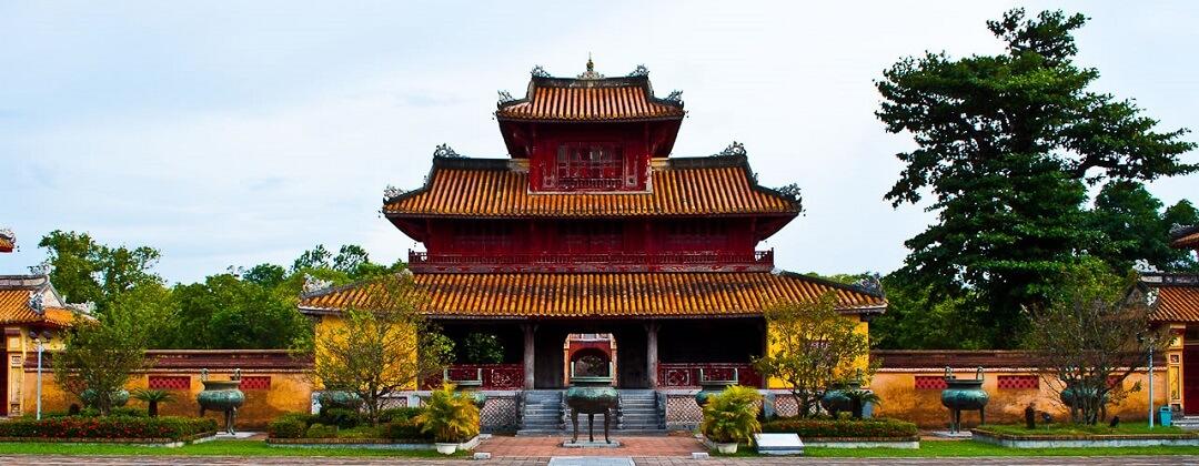 9 Dynastieke Urnen + Hien Lampaviljoen - Keizerlijke Stad (Imperial City), Citadel, Hue, Vietnam
